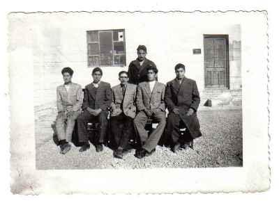 عکس معلمان مدرسه انارک از قارونی